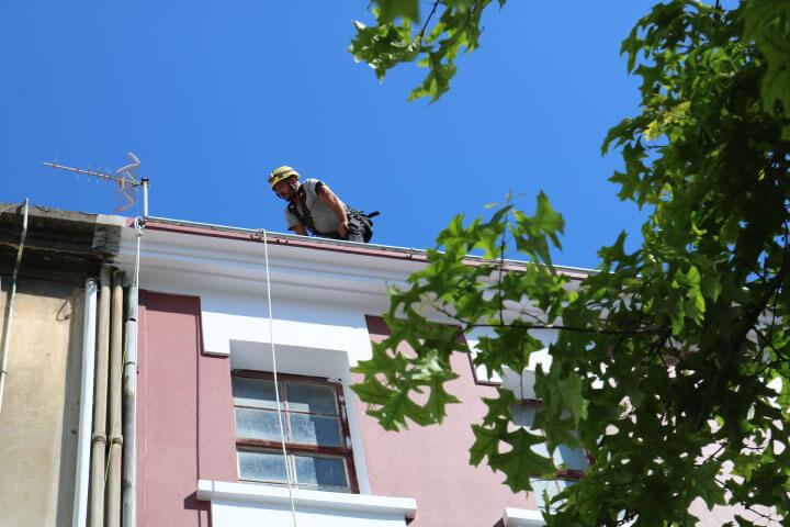 Rehabilitación de fachadas en Courña mediante trabajos verticales